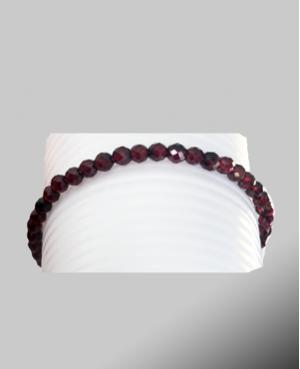 Grenat faceted bracelet